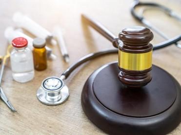 Pojasnilna dolžnost – odgovornost zdravnika zaradi opustitve